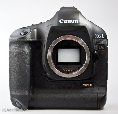 Canon EOS 1Ds Mark III - front. This is a rugged camera, with everything needed to deliver top quality images from day one. Granted, the heavy-duty battery gives it a large footprint and considerable heft, but still this is one camera you'd be proud to be seen with. Copyright  ©2009 Jack Neubart. All rights reserved.